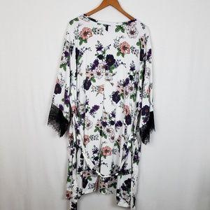 Torrid Floral Kimono Robe Size 3 /4
